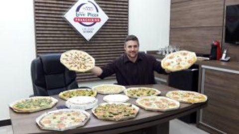 Empresário fatura R$ 100 milhões por ano com pizzas pré-assadas